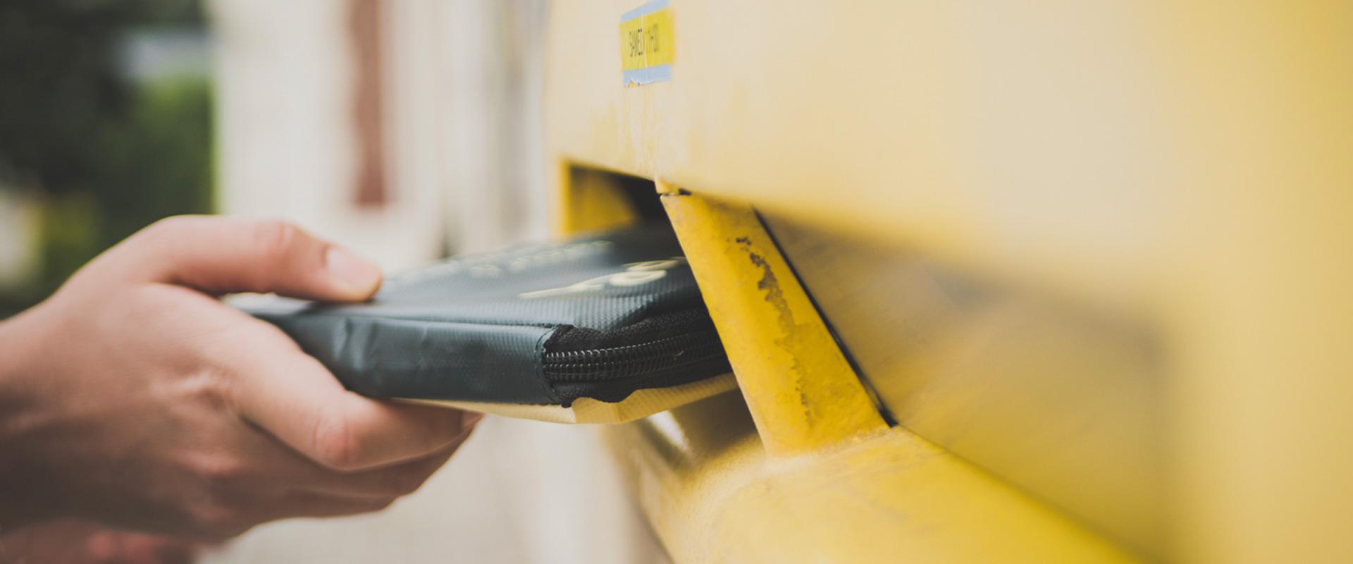 HIPI reusable parcel return yellow box
