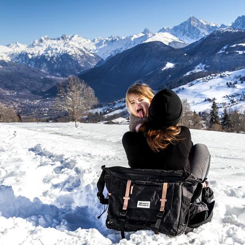 MeroMero Besace Clem&Léon dans la neige face au Mont Blanc