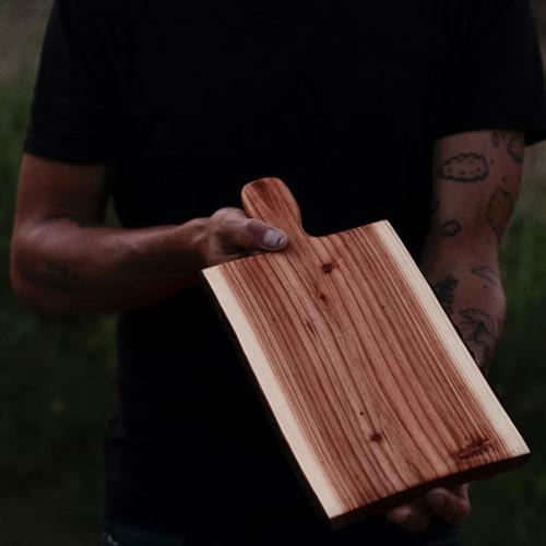 Flo Lanni Planche en bois à découper