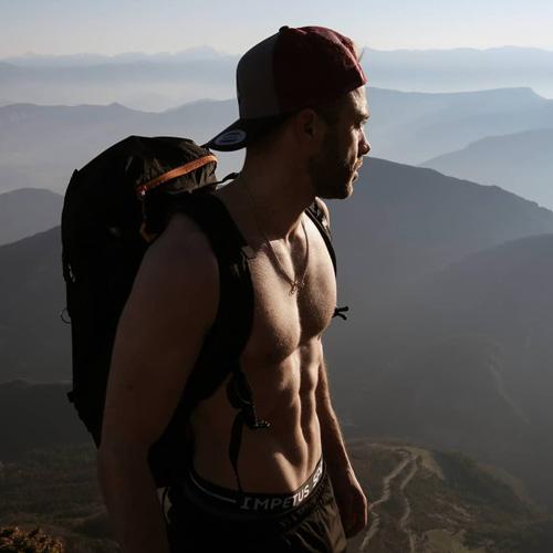 Remi Astegiano torse-nu montagne